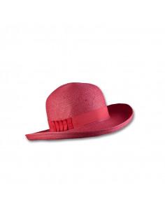 Sombrero tipo cloche para verano.
